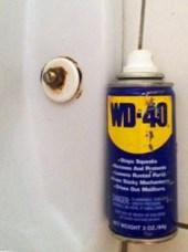 Toilette - Wd 40 vis