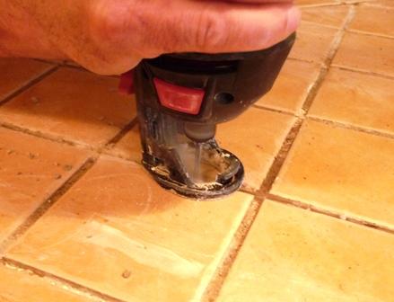 Comment Enlever Le Vieux Coulis Sur Des Tuiles De Ceramique Dans Notre Maison