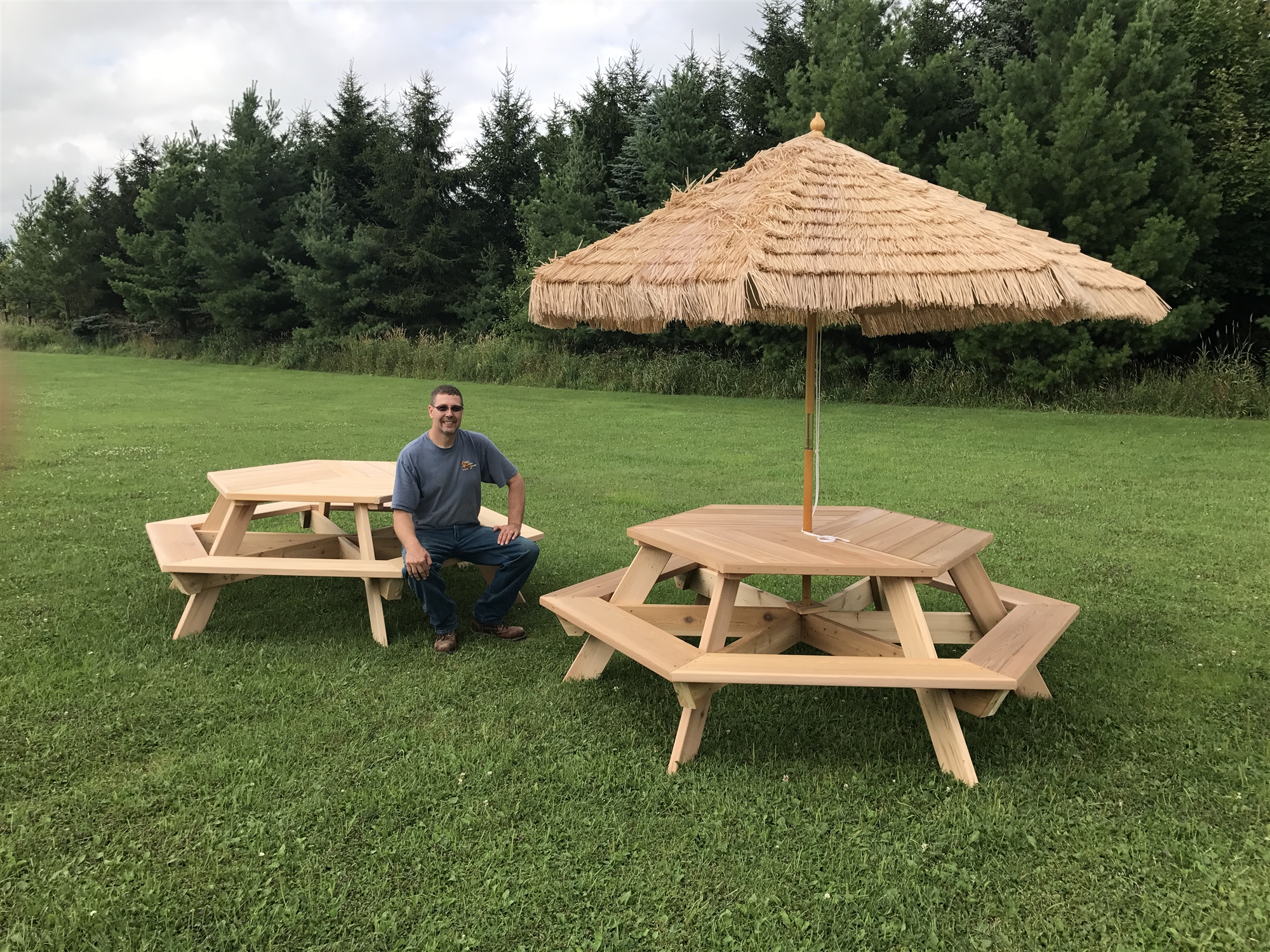 56 Quot Hexagonal Cedar Picnic Table W All Around Seating