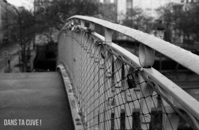 Un pont dans Paris