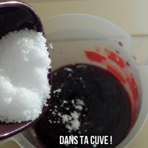 Ajouter les cristaux de soude dans le vin