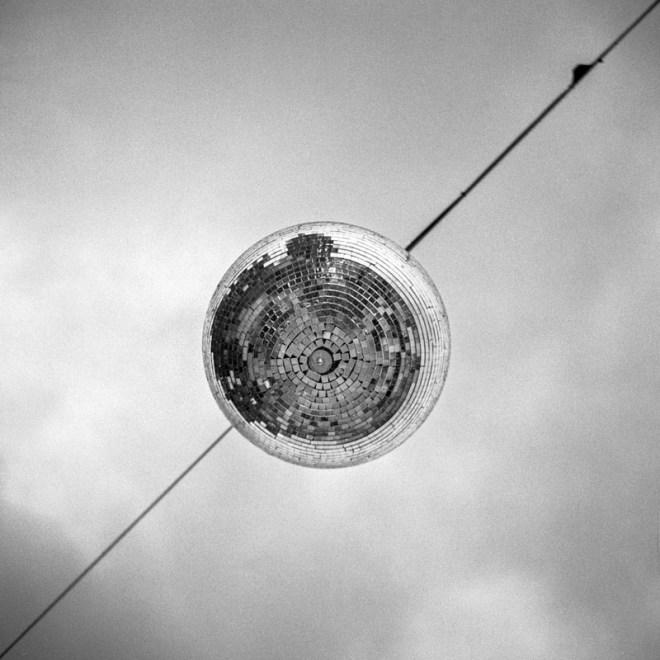 """""""So far... This is disco"""" de Julien Maillard"""