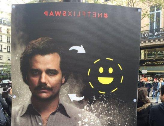 dans-ta-pub-faceswap-snapchat-netflix-darewin-affichage-1