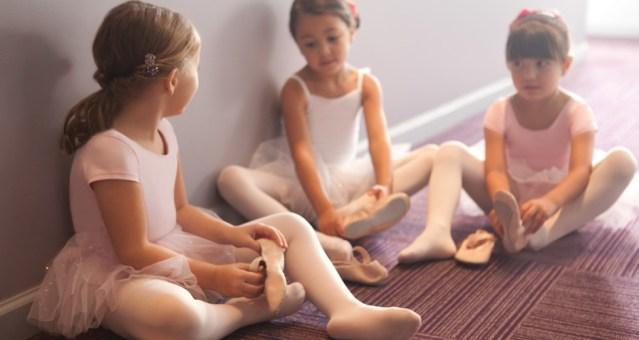 kinderdans 3 dansers podiumvrees