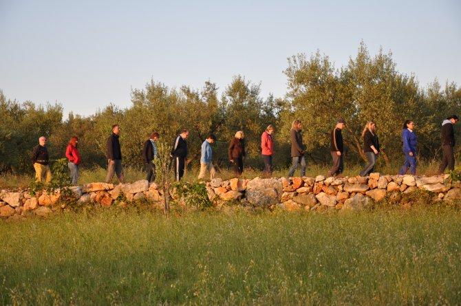 Gruppe beim Wandern auf Krk