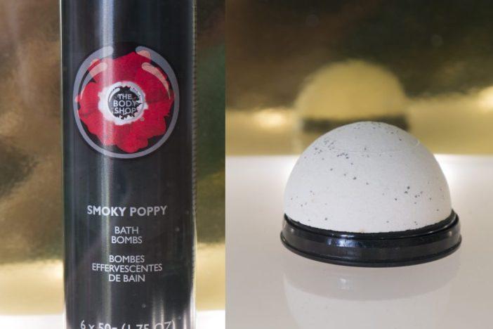 the body shop smoky poppy bath bombs zomer essentials
