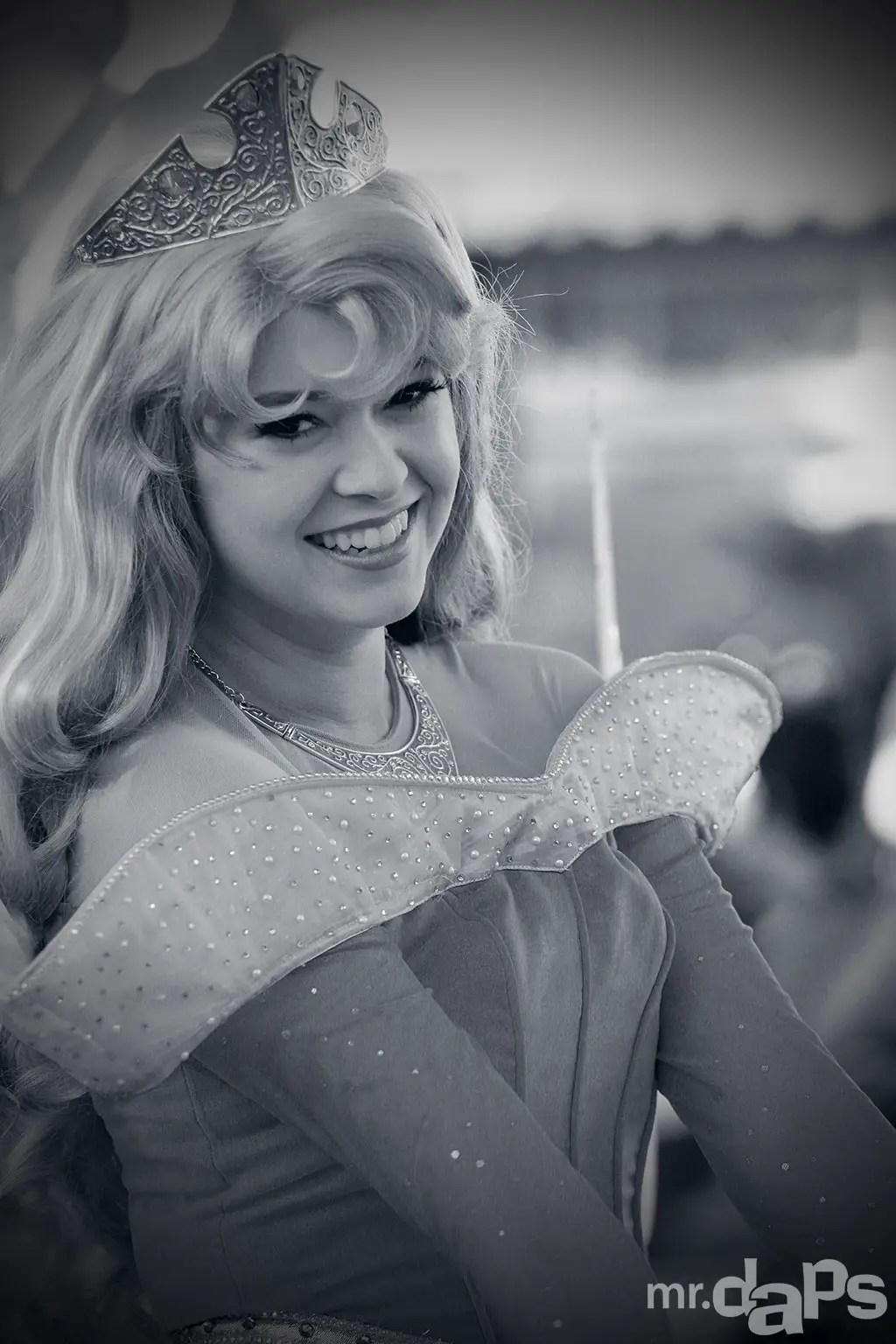 0496_Aurora_Disneyland_July_13_2014