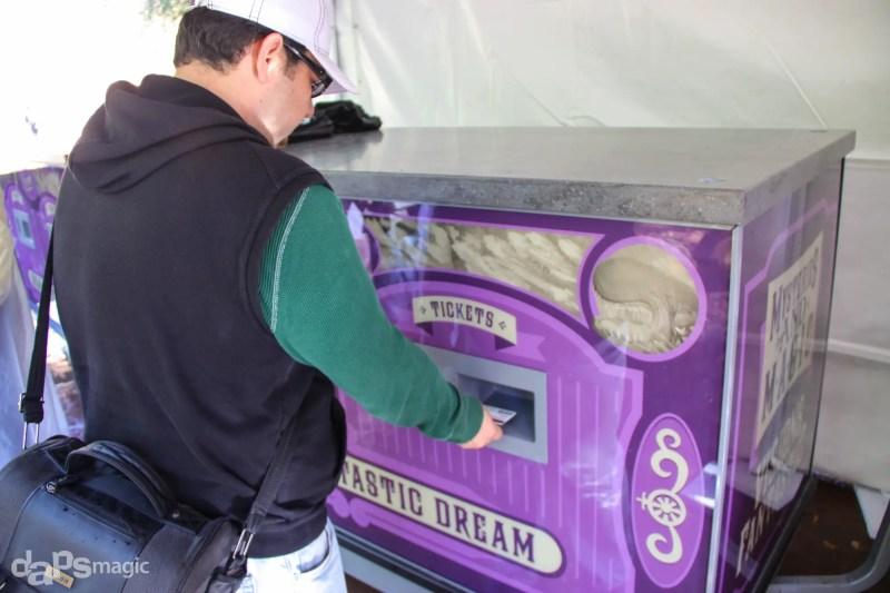 Fantasmic! Fastpass Distribution Machines Scanning Ticket