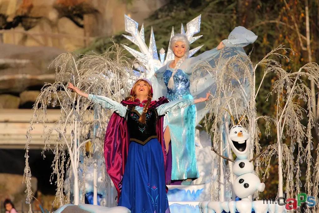 Frozen Pre-Parade at Disneyland - Anna and Elsa