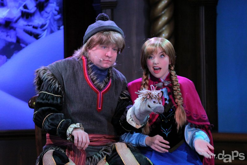 Caption of the Week #2 - Kristoff and Anna