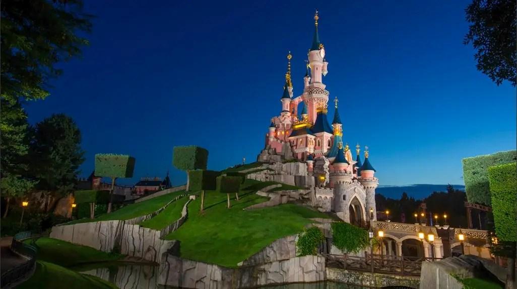 Guests Panic After Loud Noises Cause False Alarm at Disneyland Paris