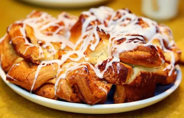 Disney Recipes: Chip's Sticky Bun Bake – Garden Grill Restaurant at Epcot