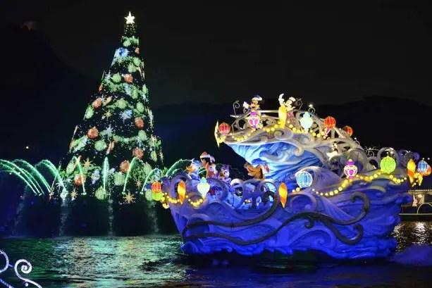 Tokyo Disney_ Christmas (2)