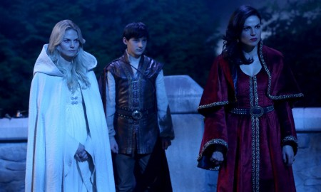 "ONCE UPON A TIME - ""Dreamcatcher"" - In Camelot, as Mary Margaret and David attempt to retrieve the Dark One dagger, Emma uses a dreamcatcher to look into the past to see how Merlin was transformed into a tree. Together, Emma and Regina figure out the critical ingredient they must acquire to free Merlin, but it's a race against Arthur, who does not want Merlin released. Meanwhile, with encouragement from his moms, Henry musters up the courage to ask Violet on a date. Back in Storybrooke, the heroes break into Emma's house hoping to locate Gold, but what they find will give them a glimpse of Emma's end game. Far from prying eyes, Merida sets about the mission Emma has tasked her with and begins molding Gold into the hero they need to draw Excalibur, on ""Once Upon a Time,"" SUNDAY, OCTOBER 25 (8:00-9:00 p.m., ET) on the ABC Television Network. (ABC/Jack Rowand) JENNIFER MORRISON, JARED GILMORE, LANA PARRILLA"
