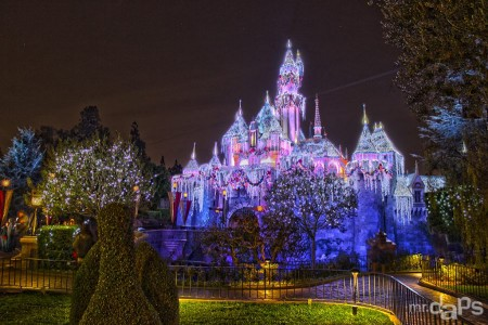 Sleeping_Beauty_Winter_Castle_Disneyland