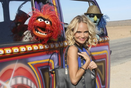 "THE MUPPETS - ""Ex-Factor""- Kermit is scrambling to find the perfect birthday gift for Denise, so he turns to Miss Piggy for help. Meanwhile, Kristin Chenoweth agrees to do a gig with The Electric Mayhem and inadvertently causes a rift between the band, on ""The Muppets,"" TUESDAY, NOVEMBER 3 (8:00-8:30 p.m., ET) on the ABC Television Network. (ABC/Carol Kaelson) ANIMAL, KRISTIN CHENOWETH, ZOOT"