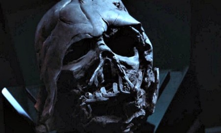 Is_Darth_Vader_alive_in_Star_Wars_Episode_VII__The_Force_Awakens_