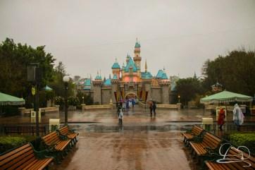 DisneylandResortRainyDay-17