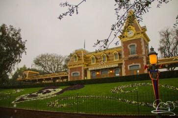 DisneylandResortRainyDay-4