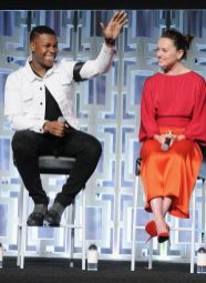 ORLANDO, FL - APRIL 14: John Boyega and Daisy Ridley attend the STAR WARS: THE LAST JEDI PANEL during the 2017 STAR WARS CELEBRATION at Orange County Convention Center on April 14, 2017 in Orlando, Florida. (Photo by Gerardo Mora/Getty Images for Disney) *** Local Caption *** John Boyega;Daisy Ridley