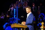Chris Hemsworth Narrating Disneyland's Candlelight Processional and Ceremony