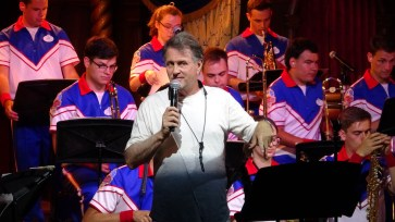 Gordon Goodwin and 2018 Disneyland Resort All American College Band-2