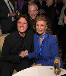 """BEVERLY HILLS, CA - JANUARY 11: Sophia Loren host a star-studded reception for """"Mary Poppins Returns,"""" nominated for 4 Golden Globe® Awards including Best Picture, 9 Critics' Choice Awards and AFI's Top 10 Films of 2018 at a special screening. Filmmakers joining her at the reception were: director Rob Marshall, producer John DeLuca, director of photography Dion Beebe, production designer John Myhre, composer, songwriter/co-lyricist Marc Shaiman and co-lyricist Scott Wittman>> at Montage Beverly Hills on January 11, 2019 in Beverly Hills, California (Photo by Charley Gallay/Getty Images for Disney) *** Local Caption *** Rob Marshall;Sophia Loren;Marc Platt"""