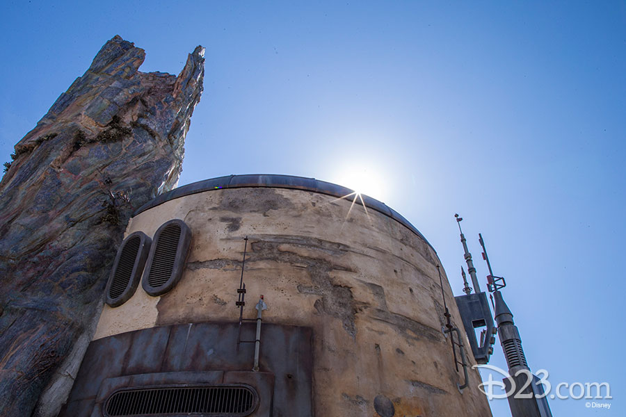All-New Photos from Inside Star Wars: Galaxy's Edge at Disneyland Resort Edge Released by D23