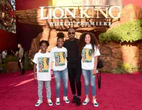 """HOLLYWOOD, CALIFORNIA - JULY 09: Jamie Foxx (C) attends the World Premiere of Disney's """"THE LION KING"""" at the Dolby Theatre on July 09, 2019 in Hollywood, California. (Photo by Alberto E. Rodriguez/Getty Images for Disney)"""