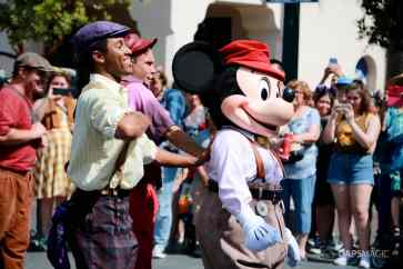 Final Performance Red Car Trolley News Boys at Disney California Adventure-27
