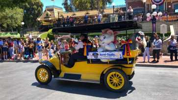 First Performance- Mickey and Friends Band-Tastic Cavalcade at Disneyland-37
