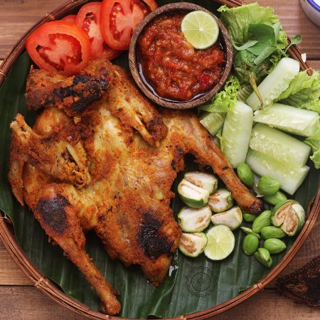 hayam bakakak makanan pokok khas Jawa Barat