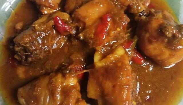 Ayam Pedas Mentega Bumbu Kuning