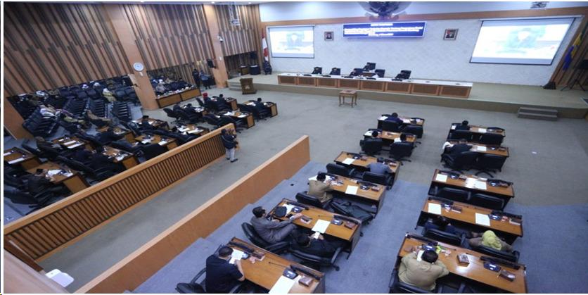 Anggota DPRD Kota Bandung dalam Rapat Paripurna di Ruang Rapat Paripurna DPRD Kota Bandung, Jalan Sukabumi. Foto: Humas Kota Bdg