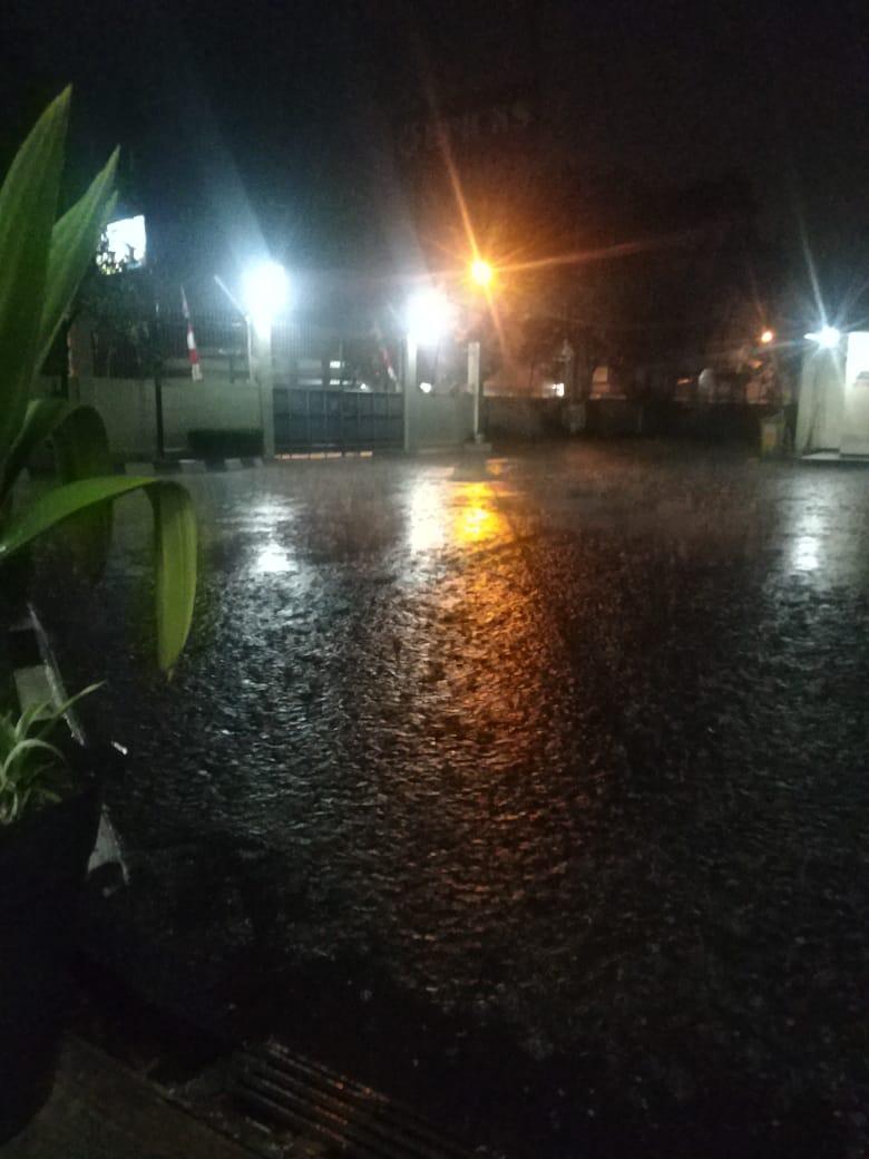 Hujan deras mengguyur Kabupaten Bandung (Foto: denkur)