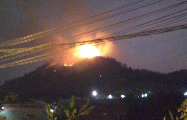 Gunung Lagadar kebakaran (Foto: galamedianews)