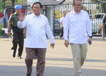 Prabowo Subianto saat memnuhi panggilan presiden ke Istana Negara (Foto: tribunnews)