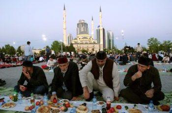 suasana buka bersama Umat Muslim Rusia (Foto : liputan6)