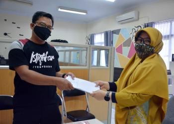Pertamina menyalurkan pinjaman modal usaha dengan total Rp 1.2 Miliar kepada 21 UMKM di Kabupaten Indramayu (Foto: istimewa)