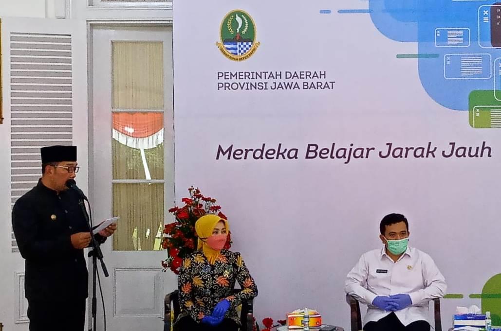 Gubernur Jawa Barat, Ridwan Kamil saat melakukan konferensi pers di Gedung Pakuan, Jalan Cicendo, Kota Bandung, Rabu (2/9/2020). (Foto: Ardiansyah Putra/dara.co.id)