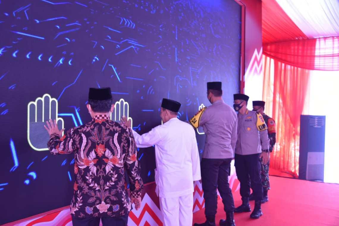 Kapolda Jabar meresmikan Masjid Jami Syarif Hidayatullah di Aspol Kaliwadas, Sumber, Cirebon, Minggu (6/9/2020). (Foto : istimewa)
