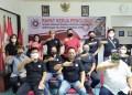 Pengurus Kerukunan Keluarga Kawanua (KKK) foto bersama di Sekretariat KKK DPD Jabar Jalan Kebonjati 256, Kota Bandung, Senin (21/9/2020). (asep/dara.co.id)
