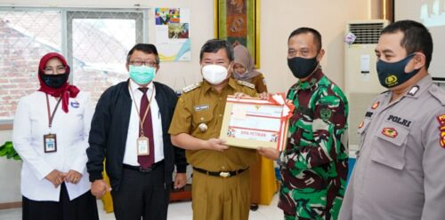 Bupati Garut, Rudy Gunawan, menghadiri penyerahan Daftar Isian Pelaksanaan Anggaran (DIPA) tahun 2021  (Foto: Adnre/dara.co.id)