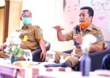 Ketua Harian Tim Gugus Tugas Covid-19 Kota Bandung Ema Sumarna
