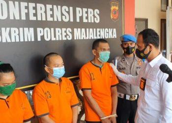 Tiga pelaku penipuan penyaluran TKI Ilegal diringkus Polres Majalengka (Foro : yohanes/dara.co.id)