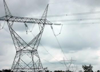 Ilustrasi jaringan listrik Sutet (Foto: KlikPositif.com)