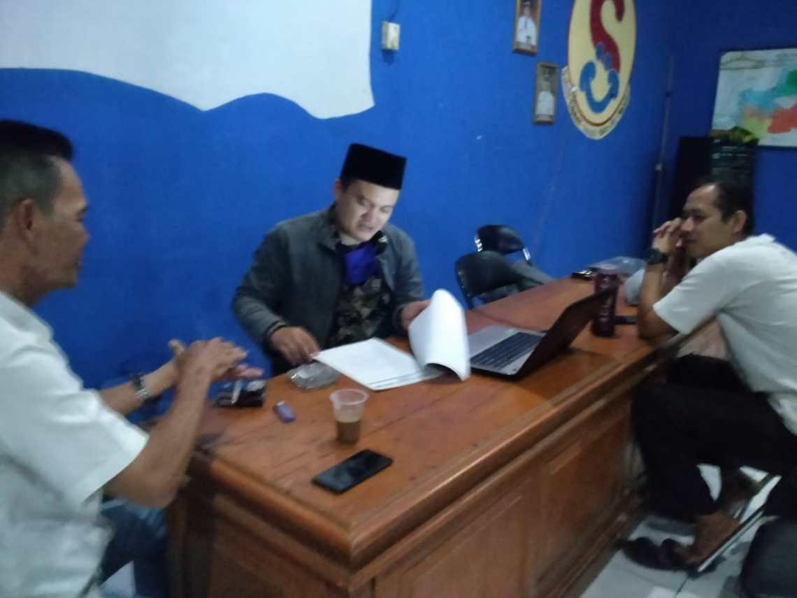 Bang Helmi, Holid Nurjamil dan Roni Dahroni (Foto: Istimewa)