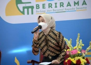 Ketua TP PKK Provinsi Jawa Barat Atalia Praratya Ridwan Kamil saat memberi preview Bubos 2021 pada acara Jabar Punya Informasi di Gedung Sate Bandung, Jumat (16/4/2021). (Foto: Biro Adpim Jabar)