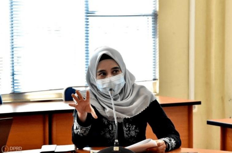 Wakil Ketua DPRD Provinsi Jawa Barat Ineu Purwadewi Sundari bersama Komisi IV DPRD Provinsi Jawa Barat lakukan kunjungan kerja dalam Rangka Monitoring & Evaluasi Kegiatan Tahun Anggaran 2021 di Kantor Cabang Dinas ESDM Wilayah 3 Purwakarta Rabu (21/4/2021). (Foto : Farhat/Humas DPRD Jabar).