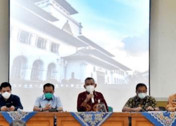 Panitia Khusus (Pansus) I DPRD Provinsi Jawa Barat lakukan kunjungan lapangan Ke Kantor Cabang Dinas (KCD) Wilayah VII Kota Cimahi (Foto: Humas DPRD Jabar/ Fahmi Nauval)